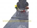 Granitni spomenik 07