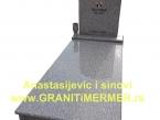 Granitni spomenik 04