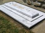 spomenik-02-kamenorezacka-radnja-jaspis-i-sard