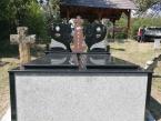 Kamenorezacka-radnja-Doboj-nadgrobni-spomenik-13